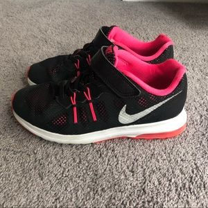 Youth Size 2 Nike